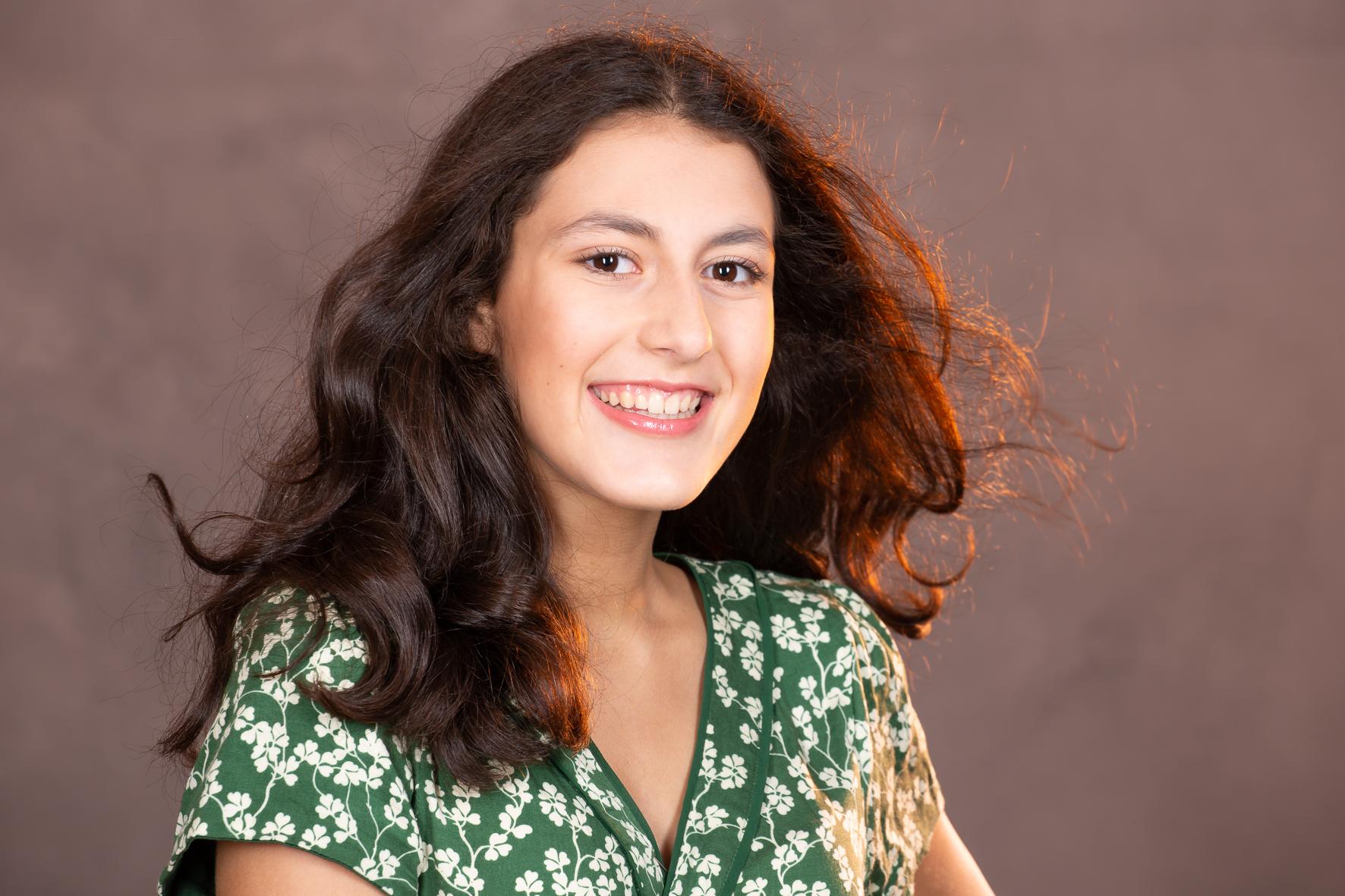 Lara-l Schauspiel und Modelagentur Stageperform